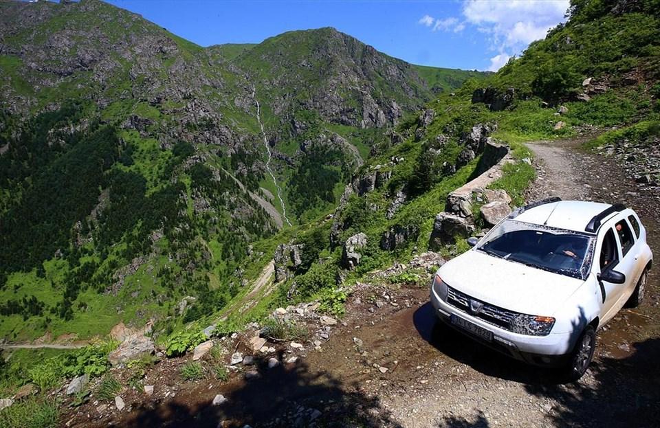 dünyanın en tehlikeli yolu, derebaşı virajları, trabzon bayburt arası d915 yolu, soğanlı dağları