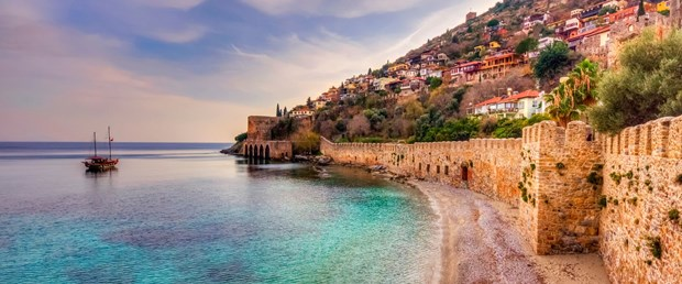 Antalya-Alanya-iStock-588968004.jpg