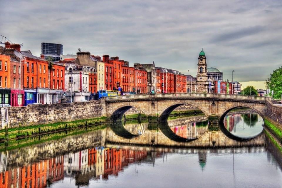 irlanda'nın başkenti, Dublin, dublin rehberi, dublin gezilecek yerler, dublin rehberi, Dublin Kalesi, Guinness Fabrikası, İrlanda, Kilmainham Gaol Cezaevi, St. Patrick's Katedrali, St. Stephen's Green, St. Stephen's Green Alışveriş Merkezi, Temple Bar, The Brazen Head, Trinity College, Trinity Koleji