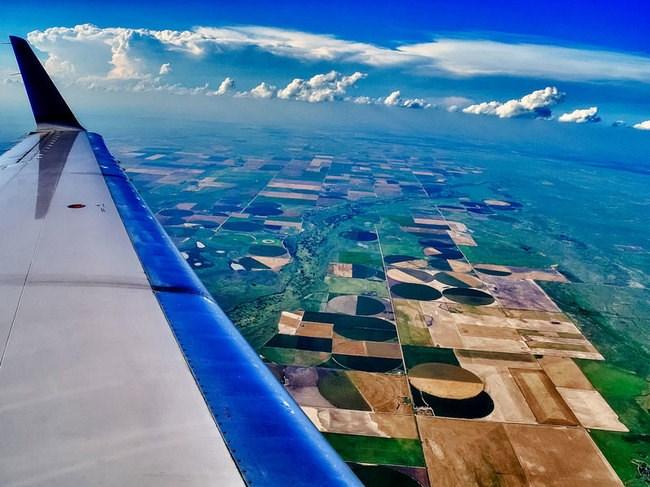 uçak yolculuğu, cam kenarı seyahat, neden cam kenarı seyahat, uçakta en iyi koltuk , uçakta cam kenarı