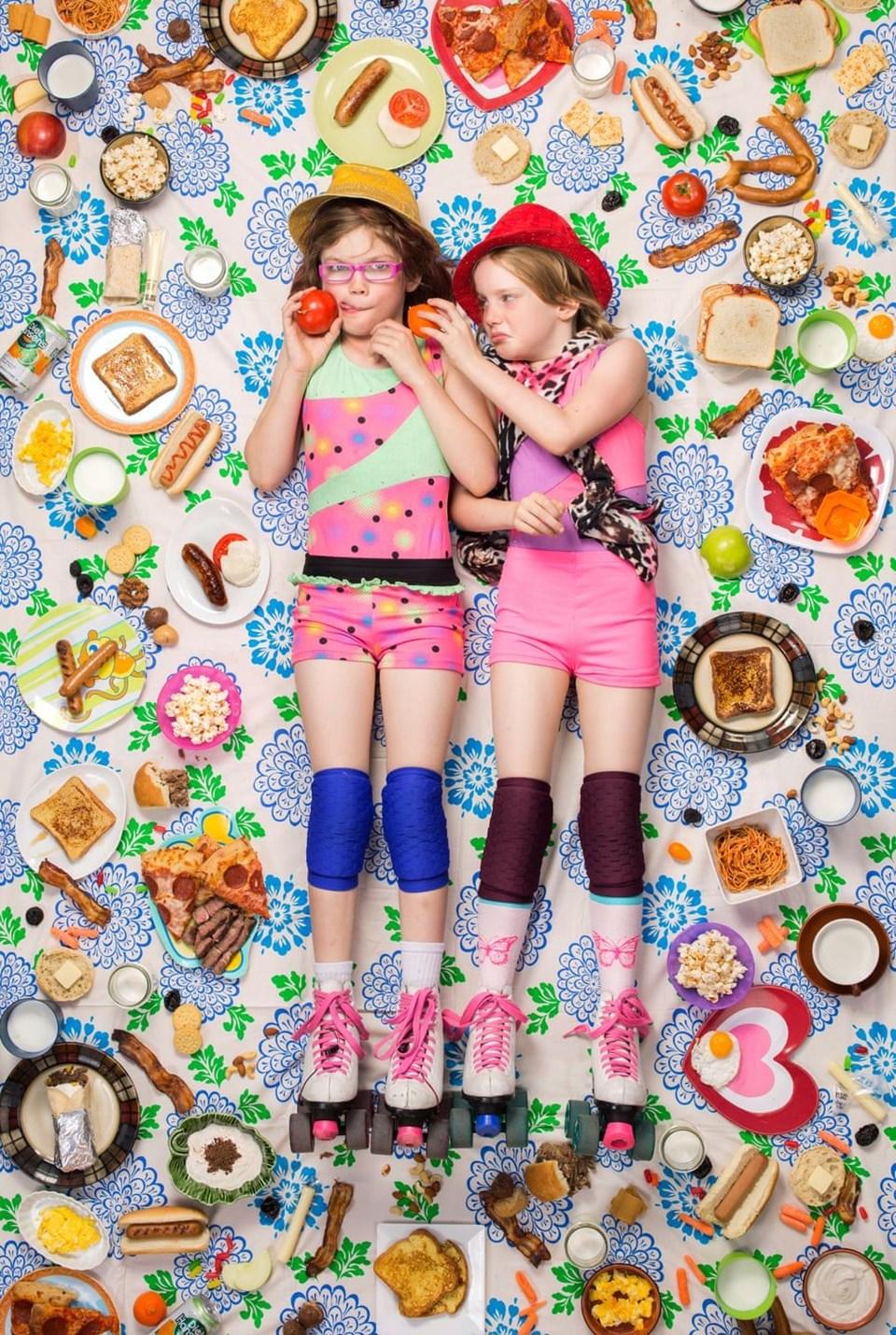 Alexandra (9 yaşında) ve Jessica Lewis (8 yaşında), ABD
