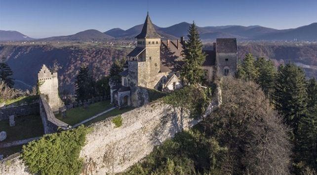 Osmanlı kalesi Ostrozac, Isabella von Berks, Bosna Hersek, şato, romantik şatolar