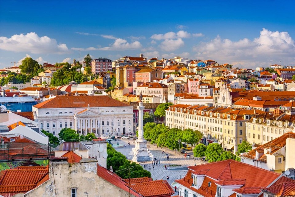 lisbon, lisbon guide, lisbon attractions, lizbon tram, bairro alto, tejo river, augusta street, alfama region
