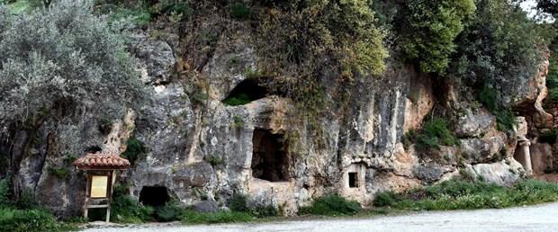 kaya-mezarlarinda-tarihi-İhmal.jpg