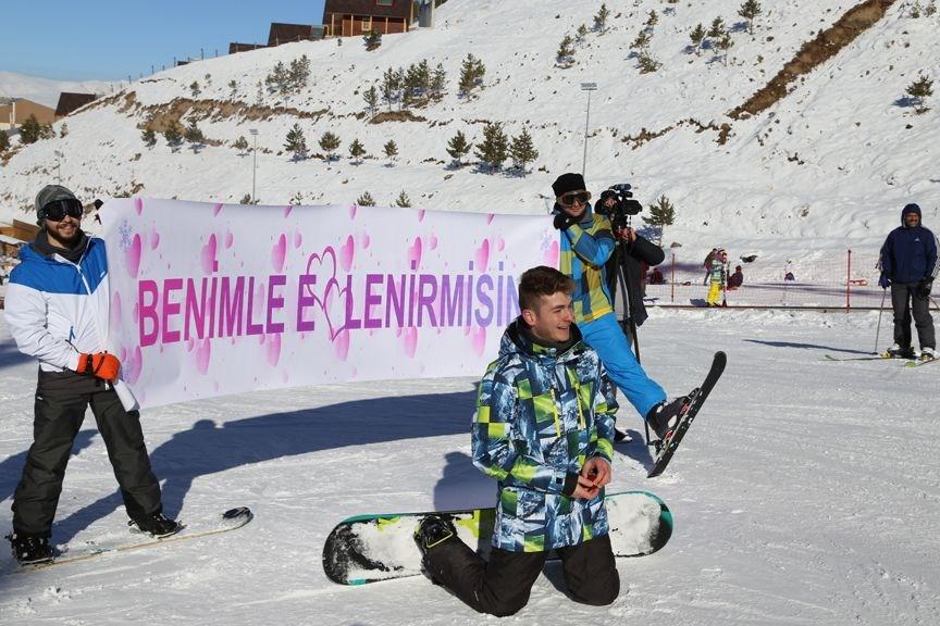 spor, kayak, snowboard, palandöken'de evlenme teklifi, palandöken kayak merkezi
