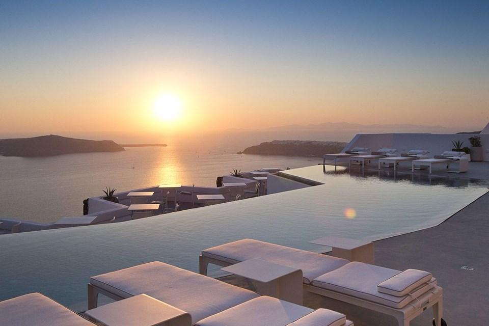 sonsuzluk havuzu, infinity pool, manzaralı havuzlar, otel havuzları, havuz, seyahat, bodrum, isviçre, tanzanya, serengeti