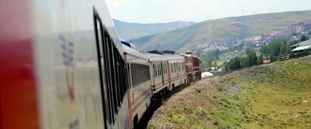 tahran-van-yolcu-treni-aa.jpg