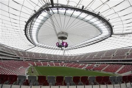 Vistula Nehri kıyısındaki Ulusal Stadyum2012'deki Avrupa Futbol Şampiyonası için restore edildi.