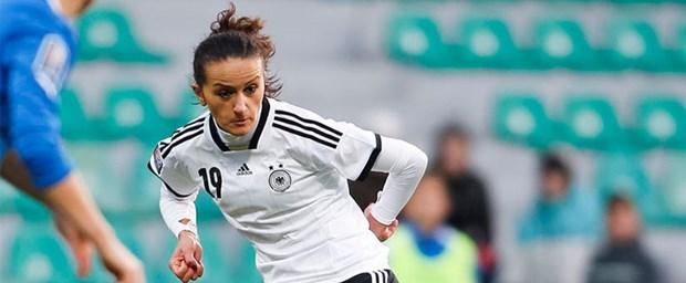 kadın-futbolcu.jpg