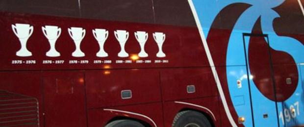 7. kupayı takım otobüsüne işletti