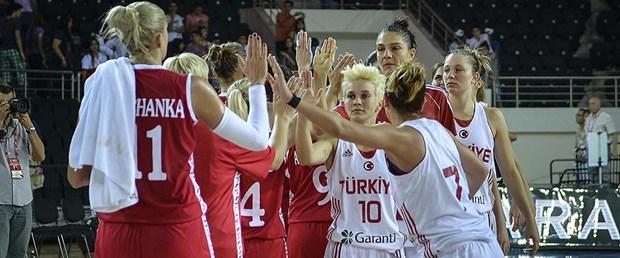 kadın basketbol takımı.jpg