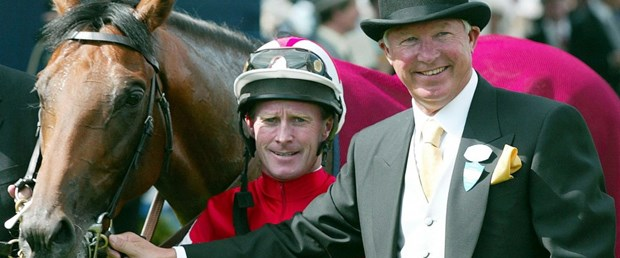 1503999463_june_18_2002_ferguson_his_horse_rock_gibraltar_jockey_mick_kinane_after_winning_st_jamess.jpg