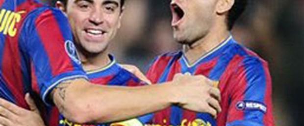 Barcelona'ya bir şok da Alves'den