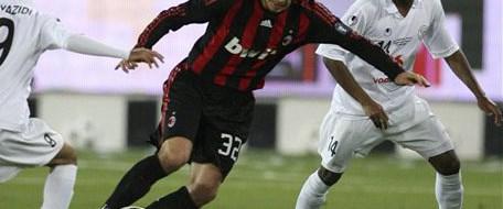 Beckham Milan'da kaldı