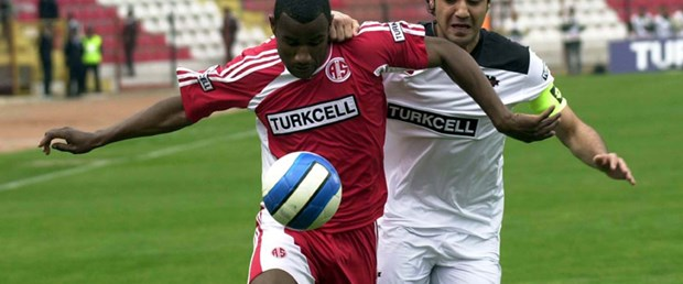 Bekir Fenerbahçe'ye doğru