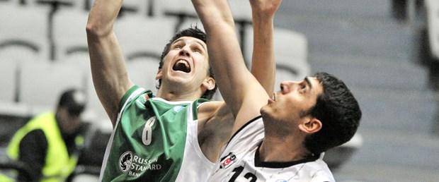 Beşiktaş dördüncü yenilgisini aldı