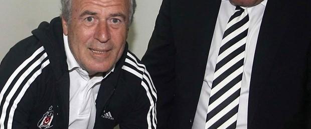Beşiktaş Mustafa Denizli ile imzaladı