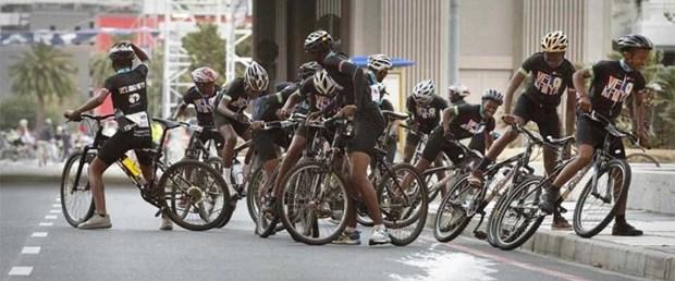 bisiklet yarışı kaza.jpg