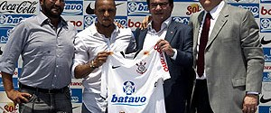 Carlos sözleşmeyi imzaladı