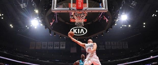 Clippers Hornets.jpg