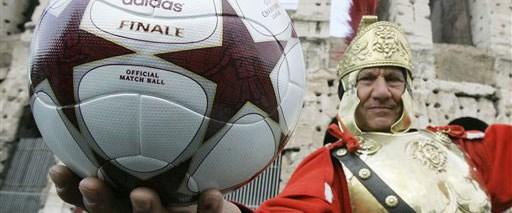 Devler Ligi finalinin topu tanıtıldı