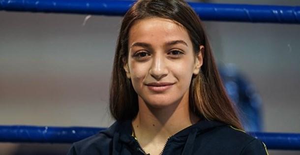 Dünya Kadınlar Boks Şampiyonası'nda Buse Naz'dan gümüş madalya