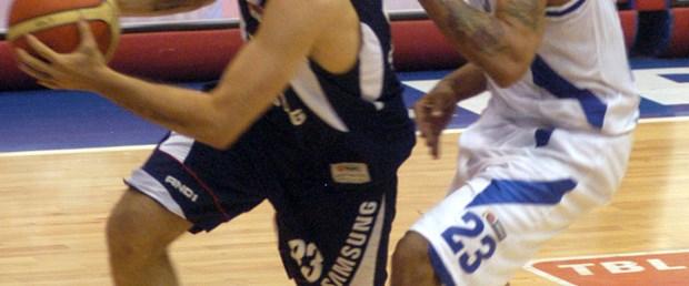 Efes uzatmada kazandı : 97 - 89