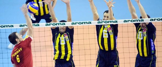 Erkeklerde de Fenerbahçe: 3-2