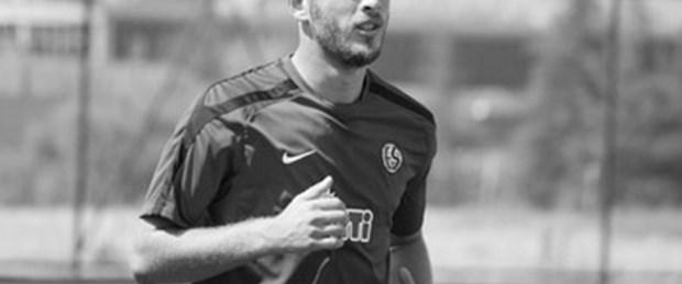 Eskişehirsporlu futbolcu kalp krizinden öldü