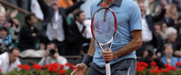 Federer korkuttu