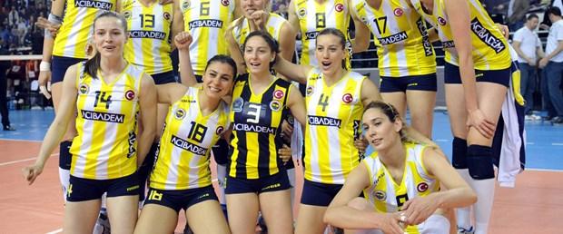Fenerbahçe Acıbadem finalde