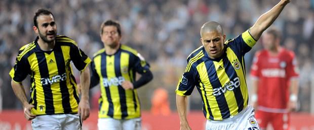 Fenerbahçe Alex'le güzel