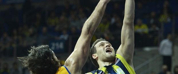 Fenerbahçe galibiyetle tanıştı