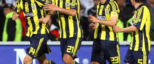 Fenerbahçe ligde yok derbilerde var