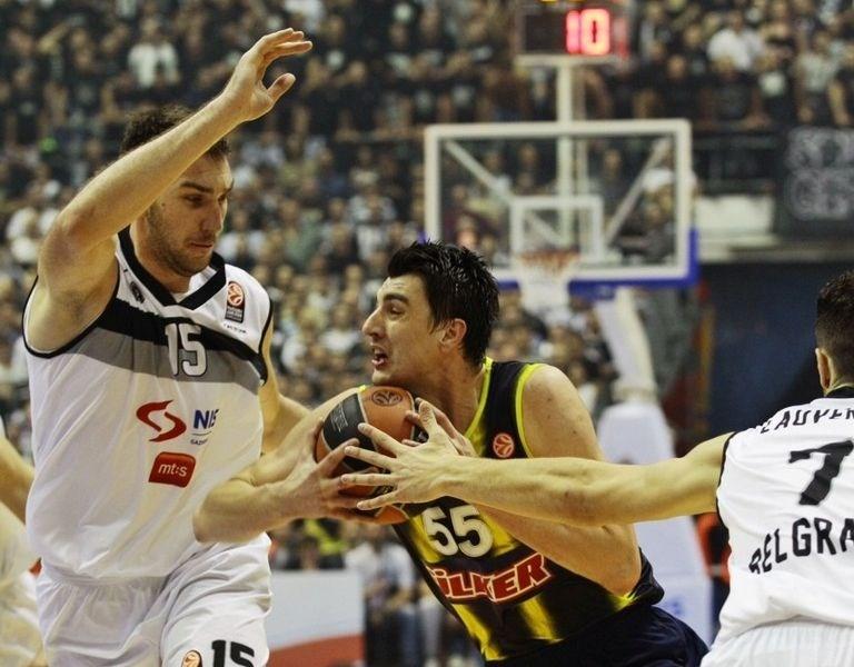 Fenerbahçe, Pionir Arena'yı susturdu