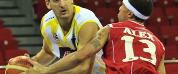 Fenerbahçe Ülker rahat kazandı: 75-67
