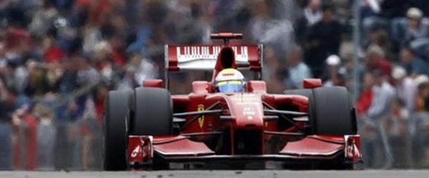 Ferrari pes etti