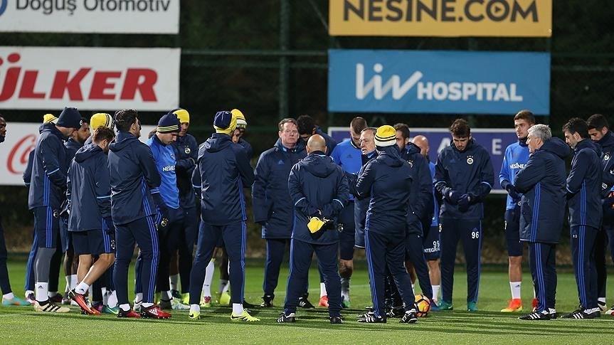 Fenerbahçe Feyenoord maçı hazırlıklarını tamamladı.