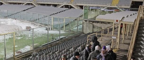 Fiorentina-Milan maçı kara takıldı