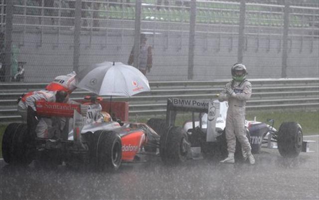 Formula 1 Malezya zafer Button'ın
