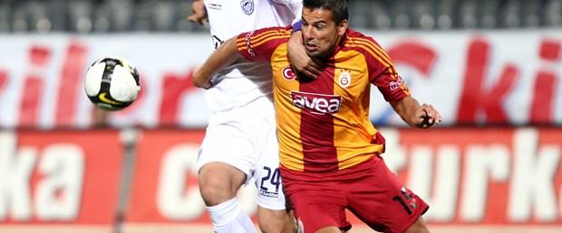 G.Saray'a bir darbe de Hacettepe'den: 2-0