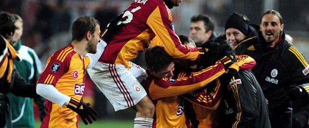 Galatasaray'da savunma güven vermiyor
