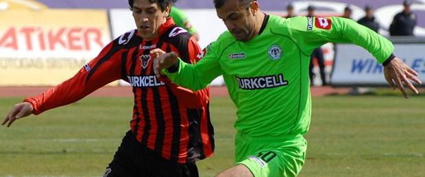 Gaziantepspor 3 puanı 3 golle aldı: 2-3
