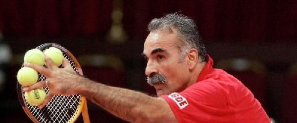 bahrami-tenis-260915.jpg