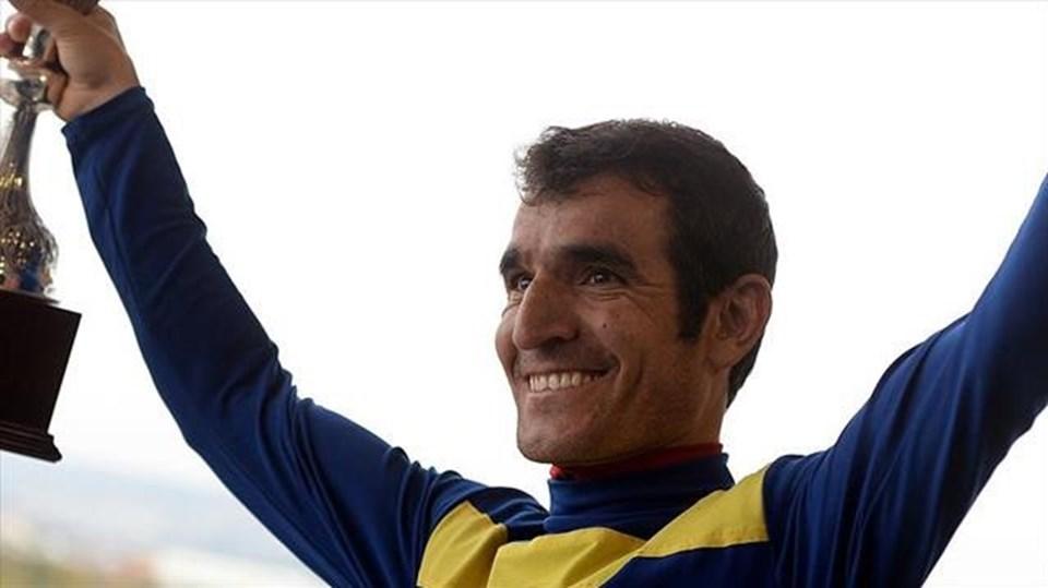 Ömer Kaya, bugüne kadar katıldığı 12 bin 891 yarışta 1571 birincilik elde etti.