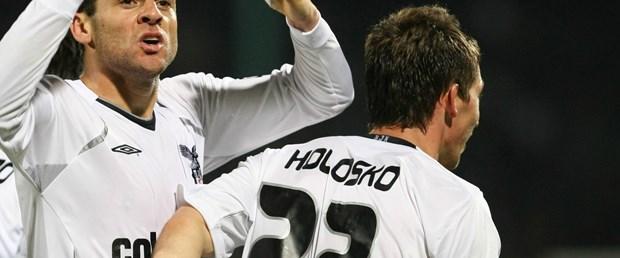 Kartal'ın gol yükü Holosko ve Bobo'da