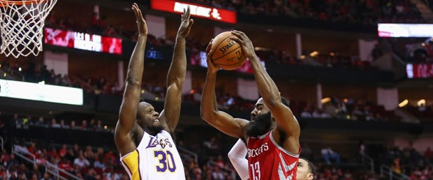 2017-12-21T021757Z_372582239_NOCID_RTRMADP_3_NBA-LOS-ANGELES-LAKERS-AT-HOUSTON-ROCKETS.JPG