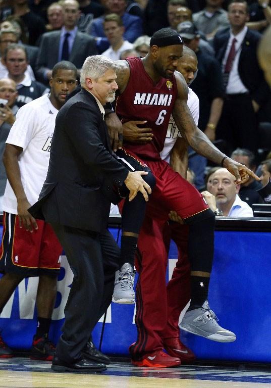 LeBron'suz Miami dağıldı
