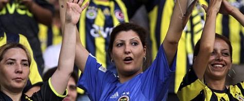 Lig maçları kadın ve çocuklara ücretsiz