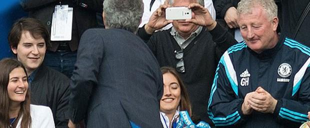 mourinho-madalya-25-05-15.jpg